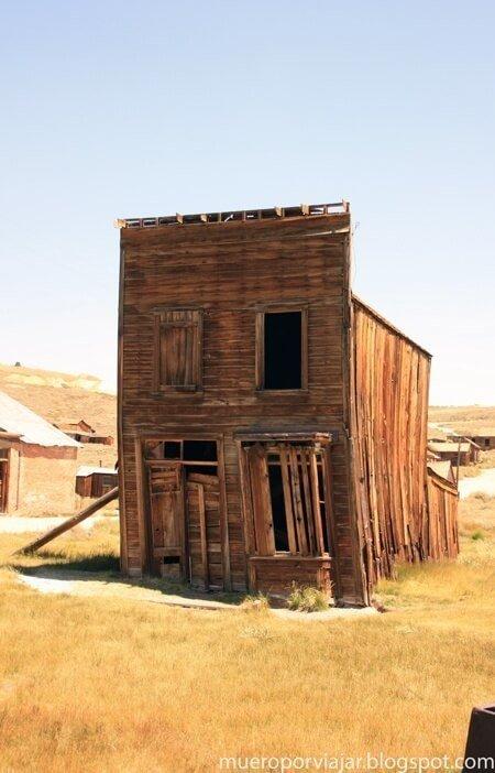 Un muestra del pueblo de Bodie abandonado en plena fiebre del oro americano