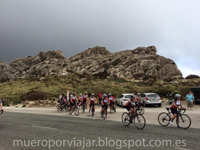 Ciclistas por las carreteras de Mallorca