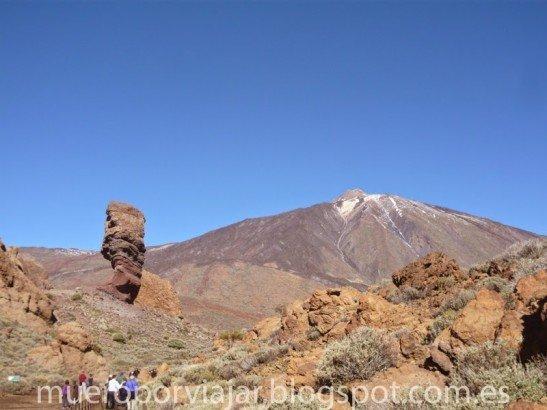 Roque Cinchado en el Parque Nacional del Teide en Tenerife