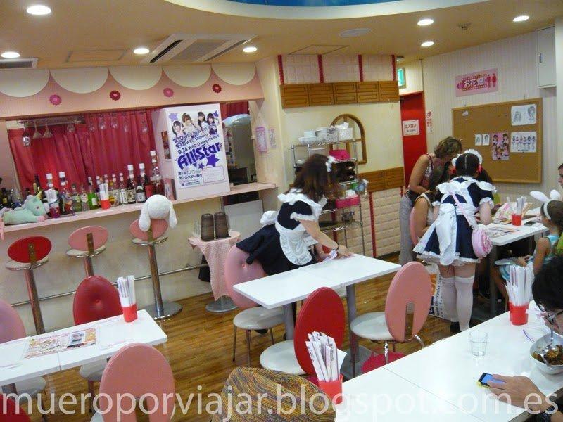 Interior de un Maid Cafe, Tokyo