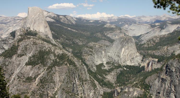 Famosa vista de Yosemite, con el Capitán