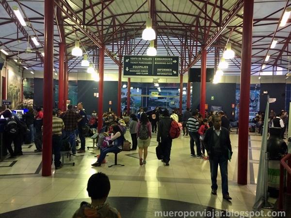 Estación de bus de Lima, muy concurrida