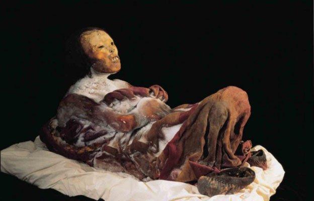 Imagen de la Momia Juanita donde se puede apreciar el buen estado de conservación
