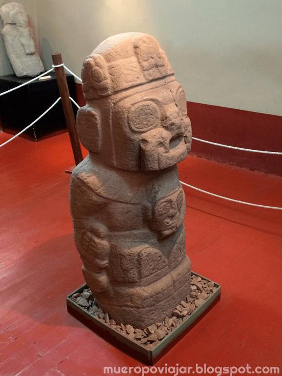 Estatuo original del pueblo de Pukara