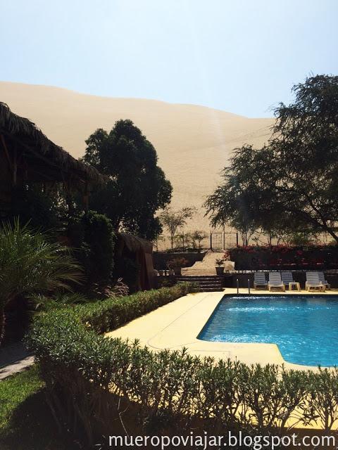 Piscina del hotel Huacachinero