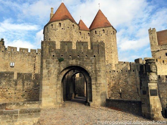 Puerta de entrada a la ciudadela de Carcassonne, Francia