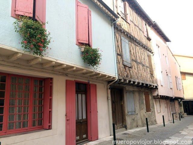 El pueblo de Mirepoix (Francia) es muy bonito y tiene calles tan espectaculares como esta