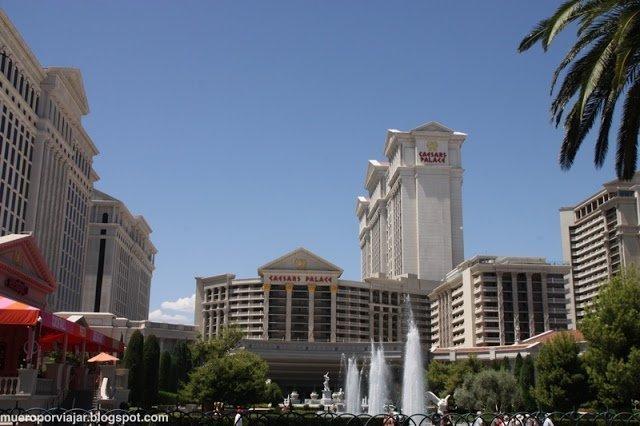 El Hotel Caesars Palace es un autentico panteon de los Dioses
