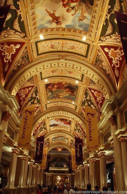 Sin duda, el Hotel Venetian es el que más impresiona. Increíble pensar que estás en un hotel