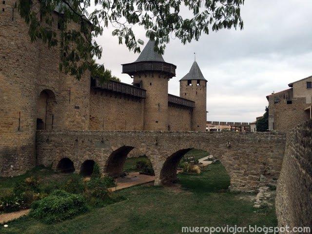La arquitectura de Carcassonne es muy bonita y sus construcciones recuerdan a los cuentos