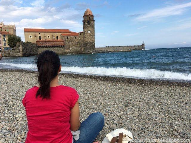 Descansando en la playa de Collioure