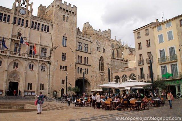 Plaza del ayuntamiento de Narbonne