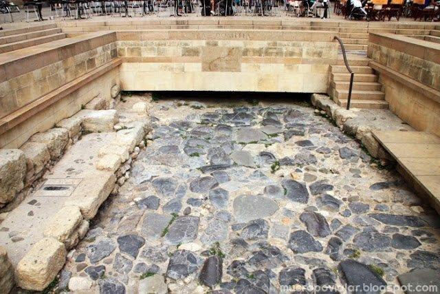 Restos de la calle antigua que había en Narbonne