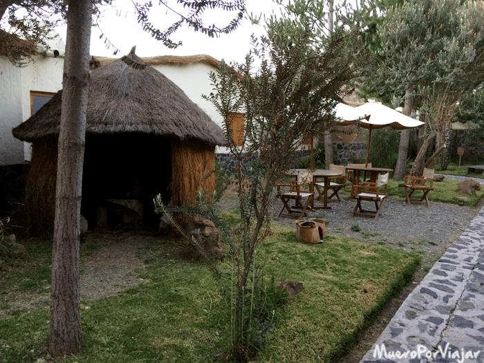 Las zonas entre habitaciones era muy de camping o casetas