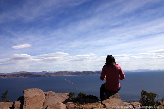 Después de comer pudimos disfrutar de las vistas del lago Titicaca en el espléndido día que tuvimos de visita