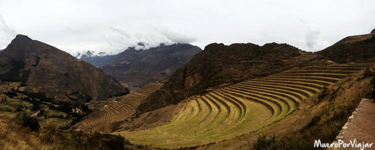 Impresionantes los bancales de tierra en forma escalonada para la agricultura en Pisac