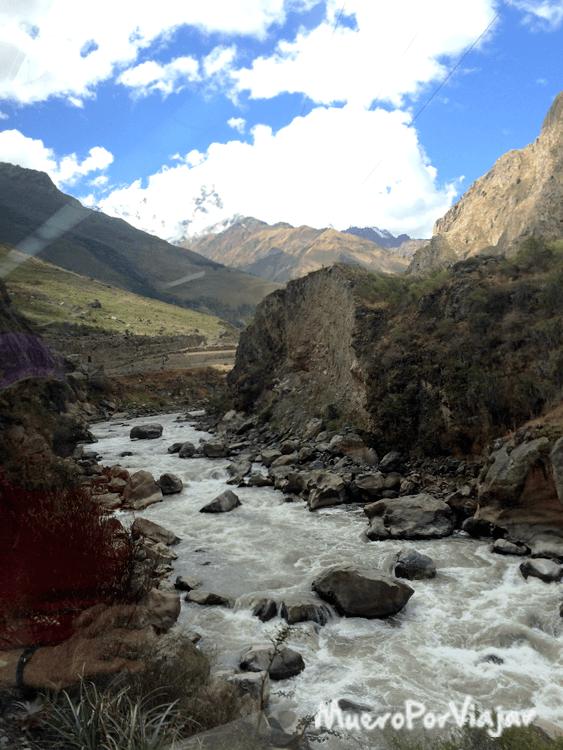 Prácticamente todo el trayecto se hace bordeando del río Urubamba