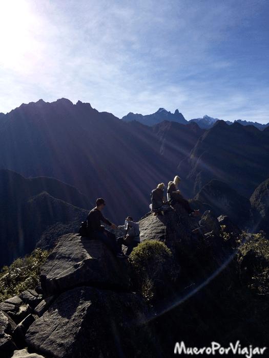Puedes subir hasta la última piedra del Waynapicchu y sentarte a descansar y contemplar el espectacular paisaje
