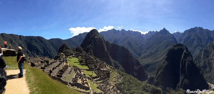 Panorámica en la que se puede ver el Machu Pichu en todo su esplendor