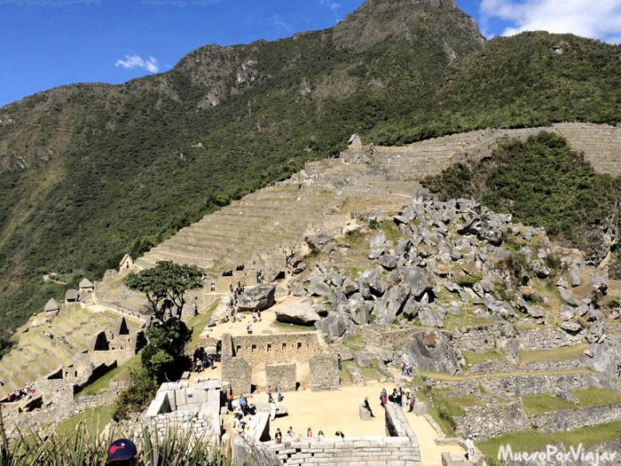 Machu Picchu a primera hora tiene un aspecto muy aventurero