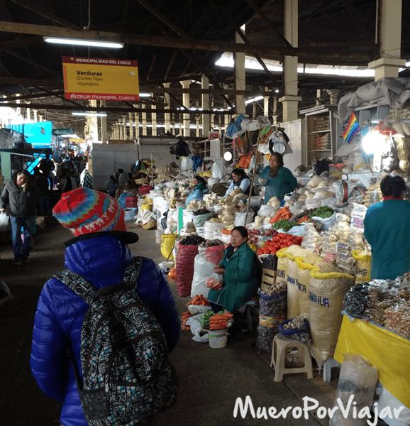 Paseando por el mercado de San Pedro en Cuzco