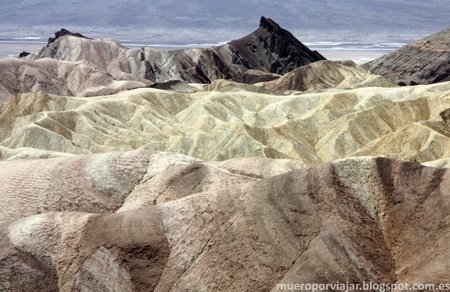 Los colores se mezclan en Zabriskie Point creando efectos muy bonitos