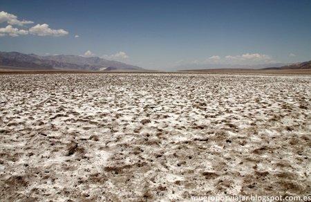 La llanura es una mezcla de tierra con sal muy seca