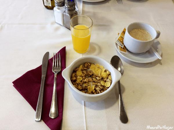 Desayuno en hotel Fergus