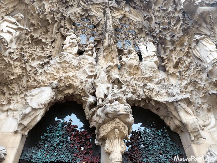Detalle de la fachada del nacimiento de la Sagrada Famiñia