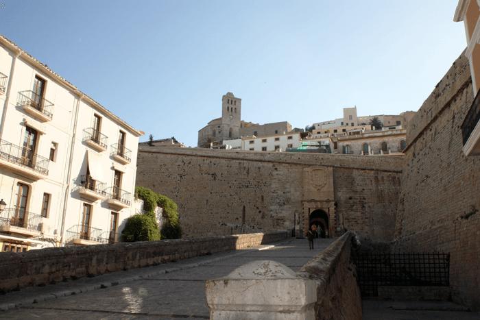 Entrada a Dalt Vila en Ibiza