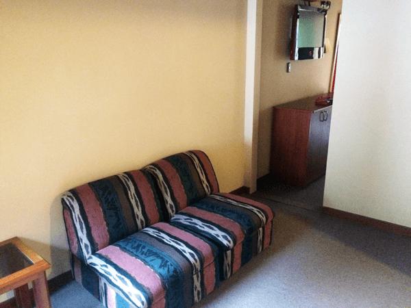 La habitación del hotel disponía de zona de estás