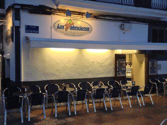 Fachada de la Heladería Los Valencianos en Ibiza