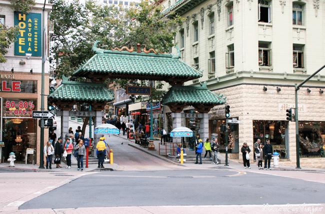 Puerta al Barrio de Chinatown de San Francisco