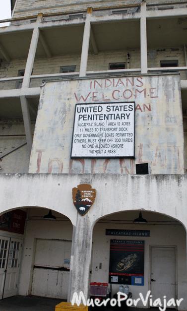 Entrada a la prisión de Alcaráz