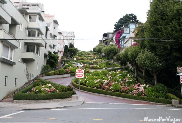 La serpenteante Lombard street en San Francisco