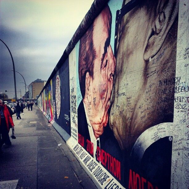East Side Gallery en el Muro de Berlín