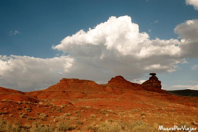 El Mexican Hat Rock es la única estructura de los alrededores