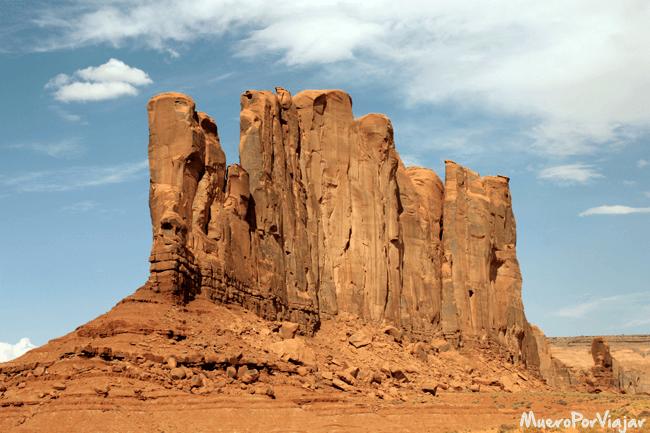Estructura que recuerda a un camello Camel Butte (colina del camello)