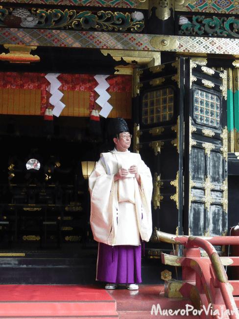 Monje del Santuario Futarasan