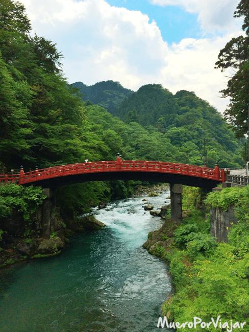 Puente de Shinkyo en el area de Nikko