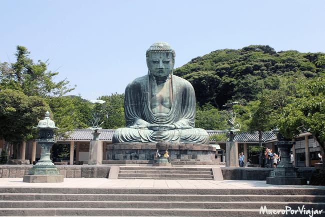 Hay muchas visitas al Buda Daibutsu ya que es uno de los más importantes de Japón