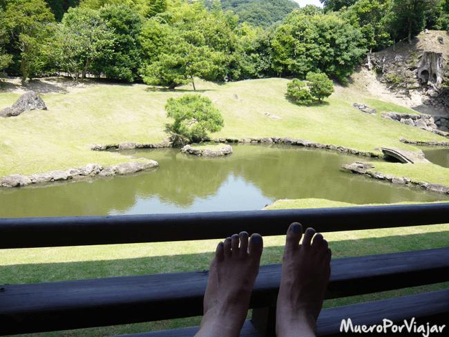 paseando y relajándonos en los jardines del templo Kencho-ji