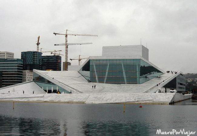 La Opera de Oslo es una construcción maravillosa que da un toque moderno a la ciudad