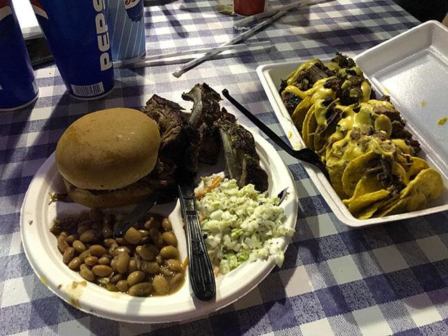 Nuestra cena en el John's Texas BBQ de Page