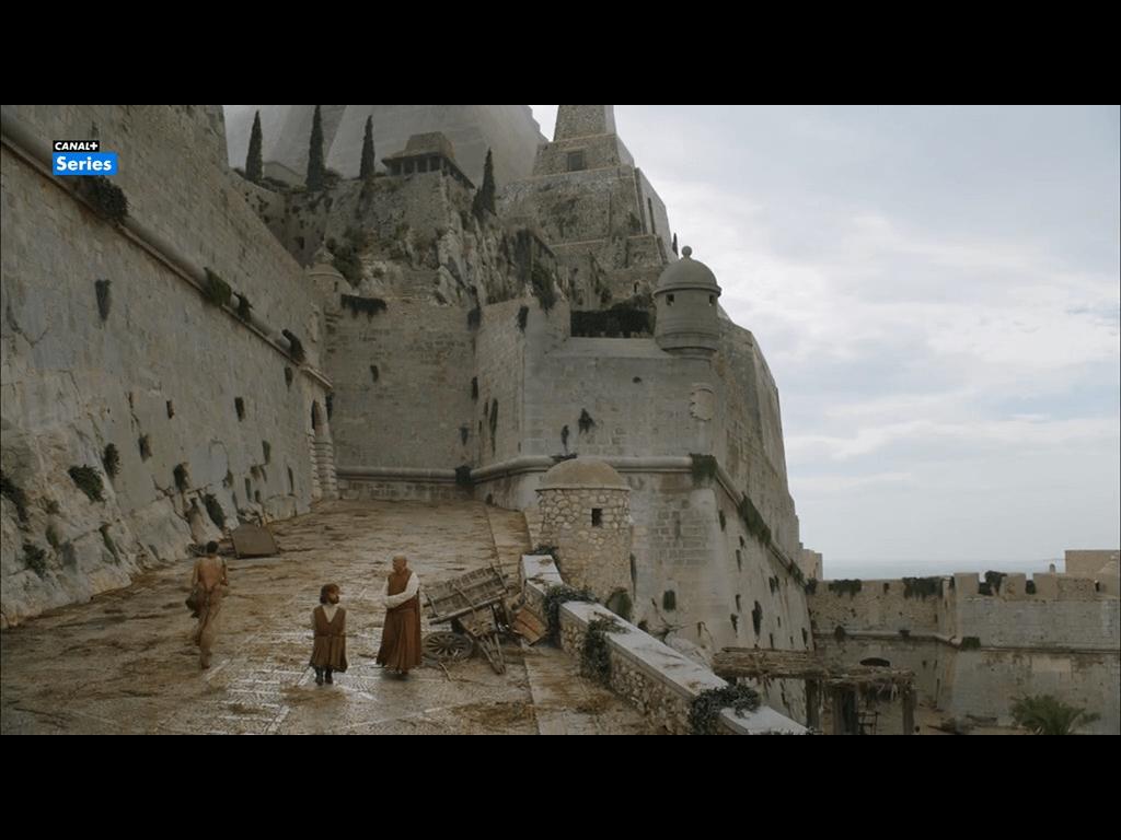 Escena del primer capítulo de la sexta temporada de Juego De Tronos en Peñiscola (Meereen)