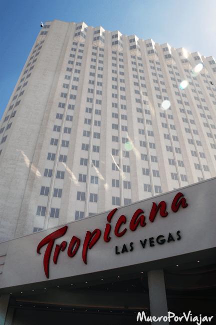 Entrada al hotel Tropicana Las Vegas