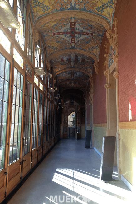 Pasillo del Hospital de Sant Pau (Barcelona)