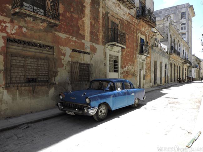 Calle de La Habana, Cuba.