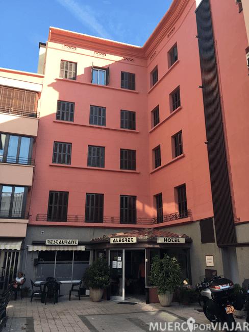 Fachada del Hotel Alegret en Tremp