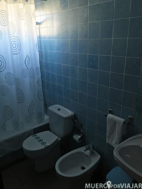 El baño de la habitación era un poco 'anticuado'